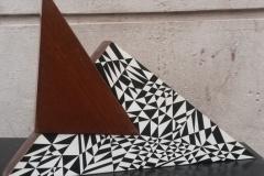 Aldo-Franzoni-madera-y-oleo-triangular-50-largo-por-25cm.-alto